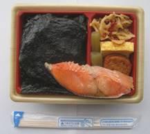 「幕の内弁当(あじ)」「新潟コシヒカリ紅鮭弁当」、そして「真空パック入りやき蛤」