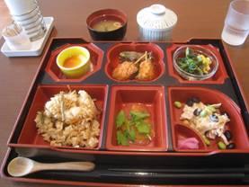 「みそまん藤吉郎」、そして「手軽な作りおき料理「夏野菜たっぷり アクアパッツァ」」